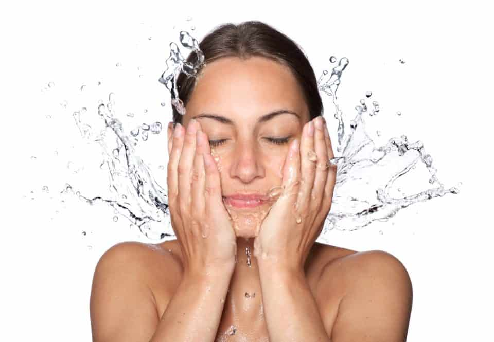 The 5 Best Natural and Organic Face Wash Cleansers 2019