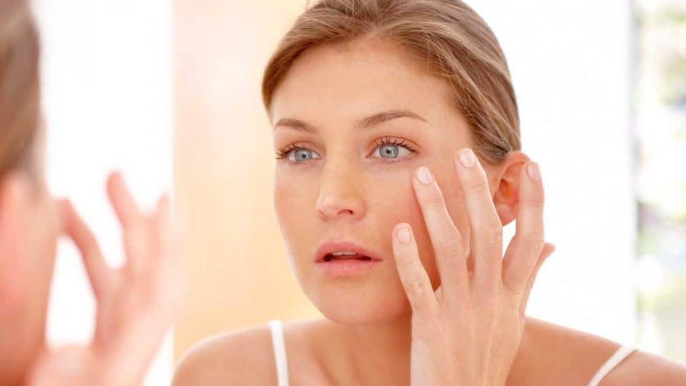 What is a Face Serum and How Do I Use It?