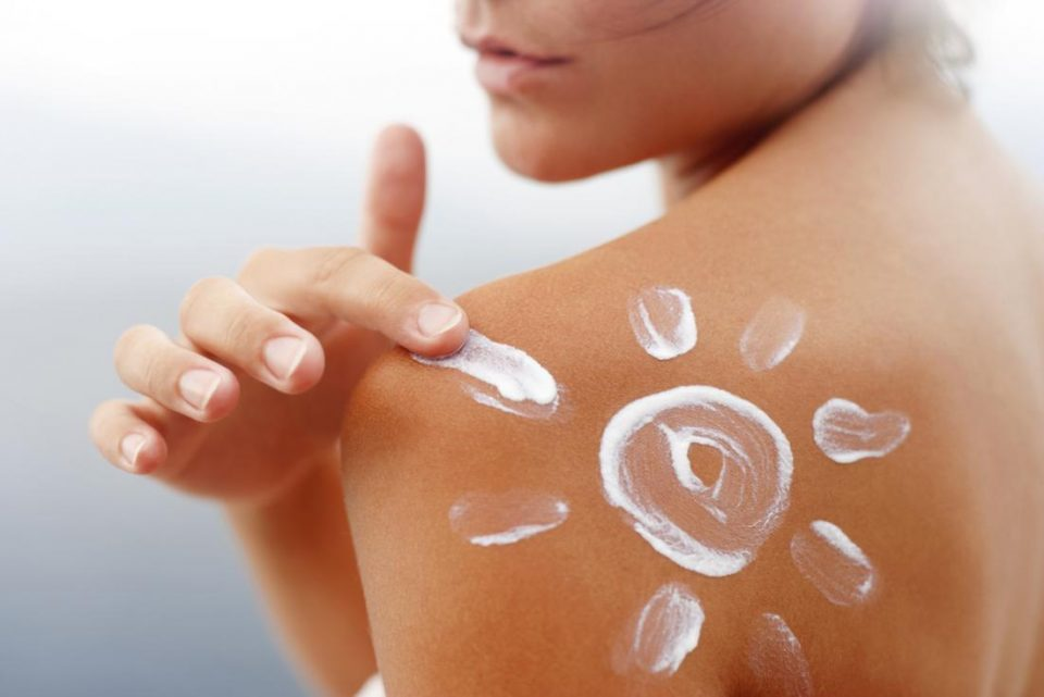 How to Make Natural and Organic Sunscreen at Home