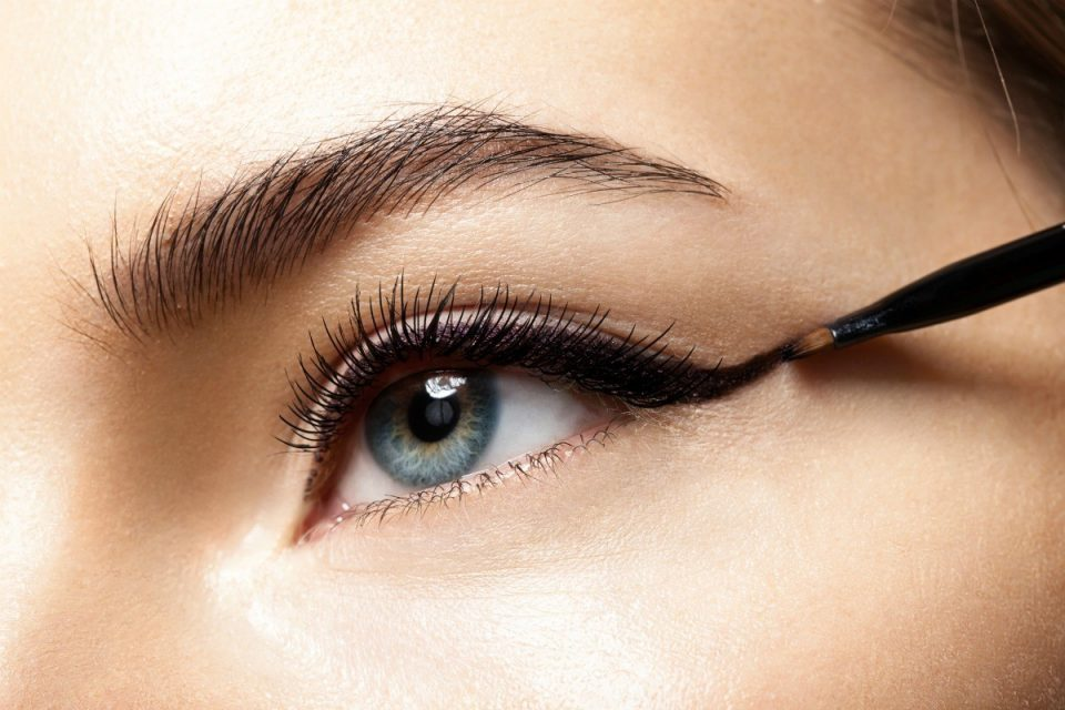 The 5 Best Natural and Organic Eyeliners 2020